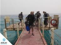 довольный дайвер закончил последнее погружение на курск Open Water Diver